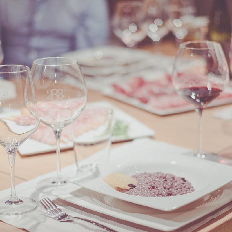 WINE TASTINGS & FINGER FOOD